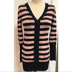 DKNY Jeans striped v-neck fitted long sweater